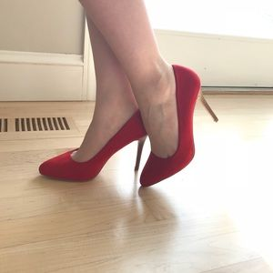 Brand new Forever 21 red hot pumps
